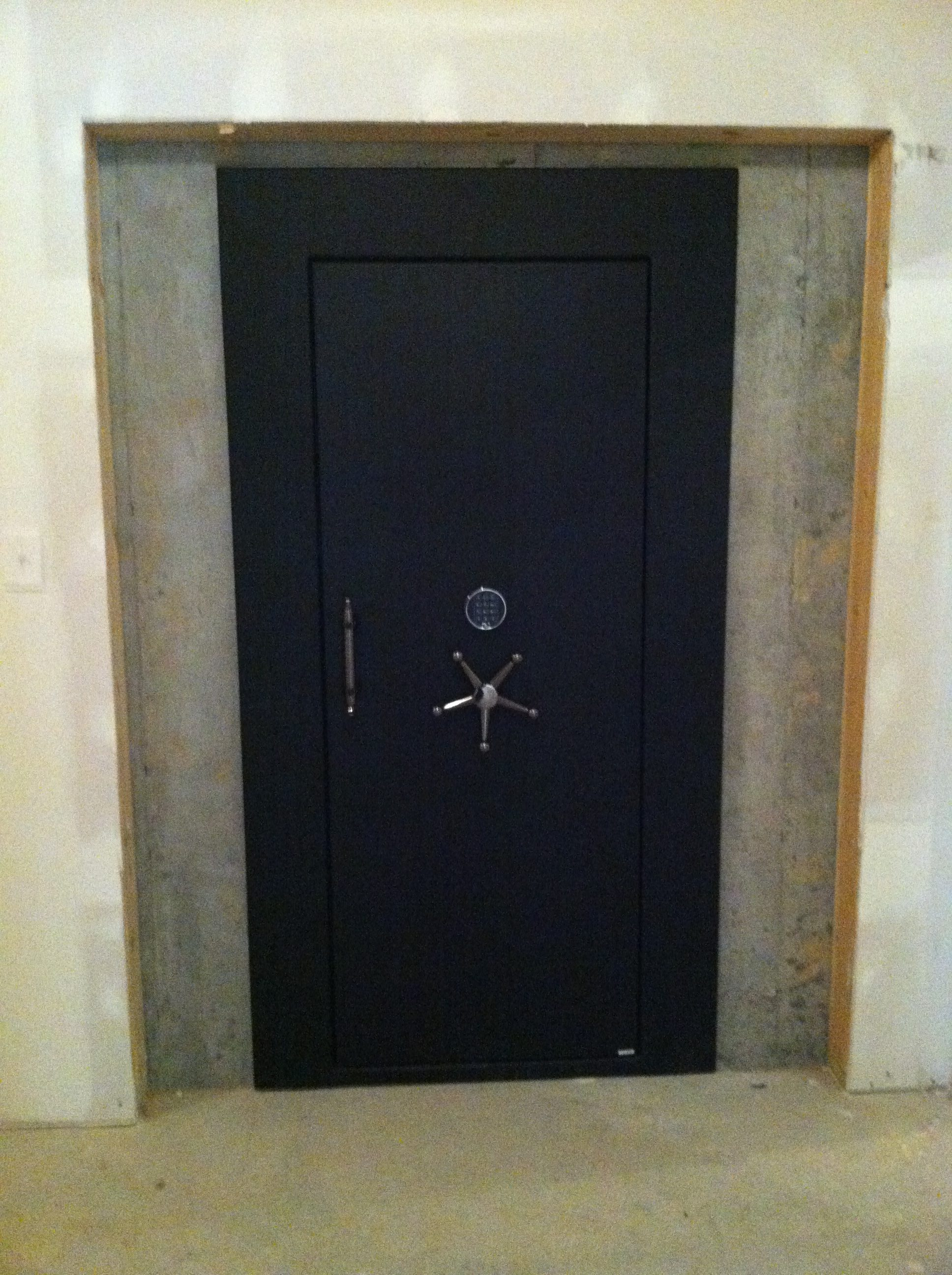 Vault Doors Amp Panic Rooms From The Safe House The Safe